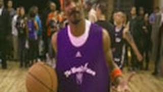 Chris Brown And Snoop Dogg Play Basketball
