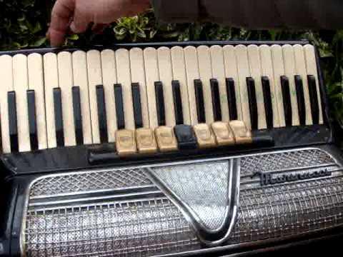 Vintage Antique Old   Accordion /   *See Video*