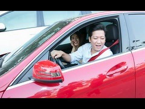 Trường Giang tự lái xe chở Nhã Phương đi sự kiện(tin tuc sao viet)