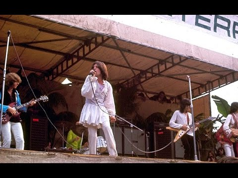 the rolling stones jumpin jack flash live