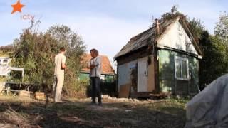 Как передвинуть дом вручную?(Хозяин старого садового домика Дмитрий решился на подвиг: передвинуть конструкцию при помощи подручных..., 2012-11-26T14:57:10.000Z)