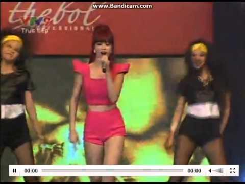 [Live] Cần Một Ai Đó - Đông Nhi