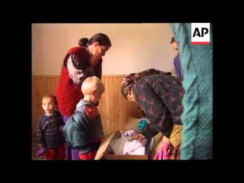 KOSOVO: LIFE FOR REFUGEES IMPROVING  (2)