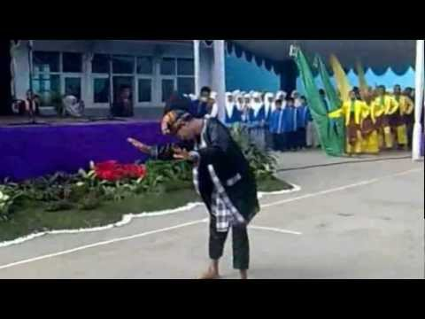 PATURAY TINEUNG SISWA/SISWI KELAS IX MTSN 1 KOTA BANDUNG TP. /