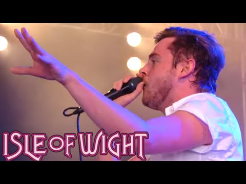 Kids In Glass Houses - Matters At All | Isle Of Wight 2013 | Festivo
