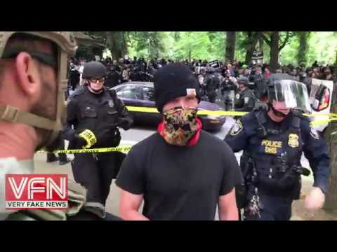 #Antifa  Tries to Run Away from Cops, but Gets Tackled at Portland Free Speech Rally