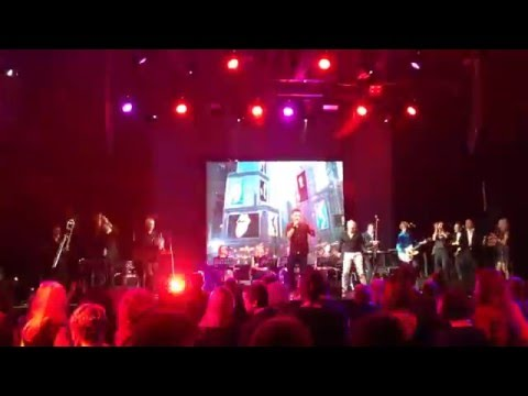 Аркадій Войтюк і Роман Полонський - Let Me Entertain You (Live December 2015)