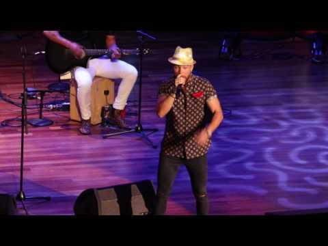 Chris Lane's Epic Boy Band Mashup // Stars for Second Harvest