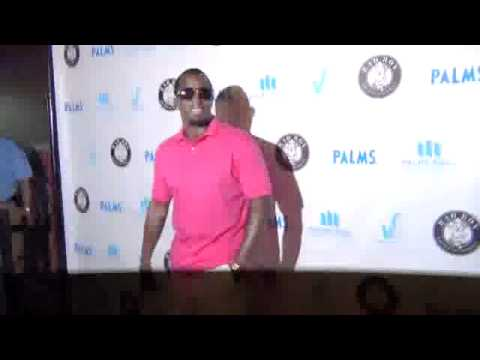 Diddy 35 seconds on red carpet at PALMS Casino LDW Pool Party vegas 2011