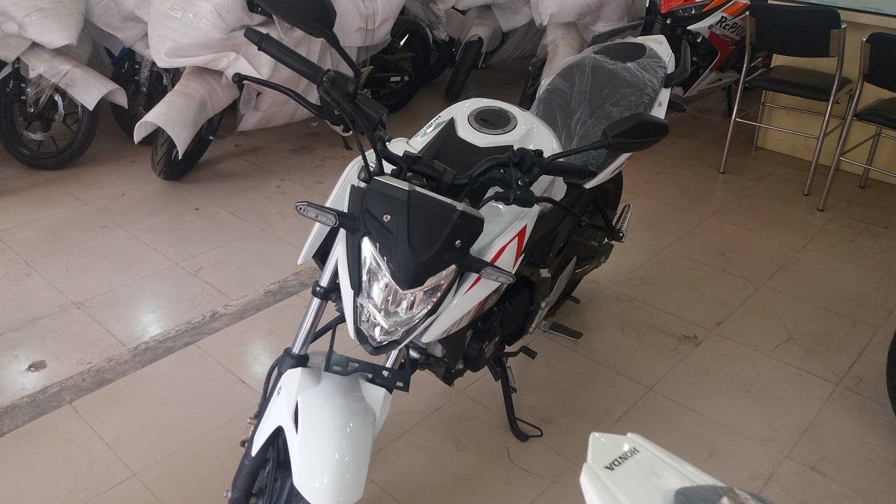 Review 2017 Honda CB150R StreetFire White Pegasus