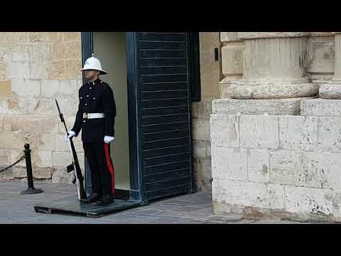 Watch the Changing of the Guard at the Grandmaster's Palace of the Order of St John