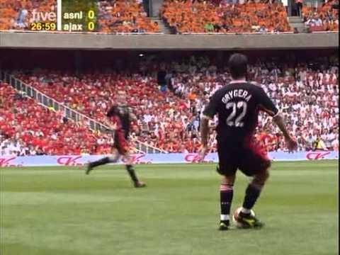 Despedida Bergkamp - inauguracion Emirates Stadium 22-7-06 1a parte