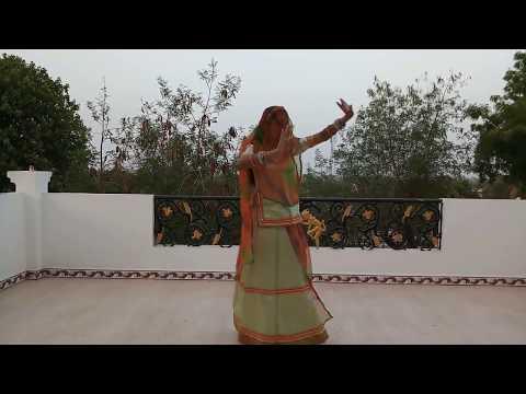 Delightful Dance On Hariyala Banna O Nadaan Banna O   Marwadi Dance