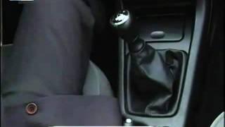 курс вождения автомобиля.(Как правильно начинать движение. Работа с педалями газа и тормоза., 2011-10-26T12:35:59.000Z)