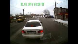 Автоподстава. Херсонский клоун(Это видео прислал посетитель нашего сайта http://dtpua.com из Херсона. Забегая на перед прокомментирую - некоторые..., 2012-02-23T18:31:54.000Z)