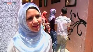 أعمال فنية تزين حيا بغزة