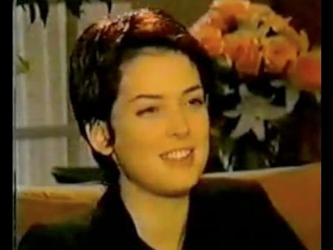 Winona Ryder Interview 1993 - 'The Age of Innocence' - YouTube