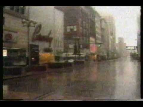 1983 WXYZ Channel 7 Detroit news telecast. Featuring stories on Boblo Island and Woodward Avenue.