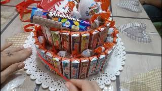 DIY || Come realizzare una TORTA DI CIOCCOLATINI KINDER con base di polistirolo || Idea regalo