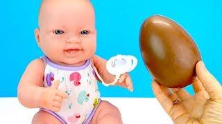 КИНДЕР ЯЙЦО МАКСИ Подарок для Новой Сестрички #Куклы Пупсики Играем #Какмама Детский канал