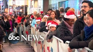 Black Friday Shoppers Get Their Spot in Line Early