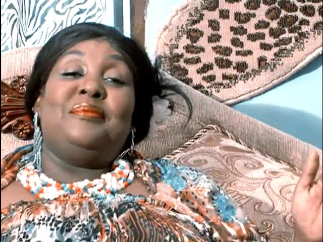 Khadija Kopa Kadandie Official Video - YouTube