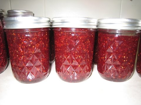 how-to-make-strawberry-jam-quick-easy-recipe-with-pectin-canning-jars-strawberries-fruit-preserves