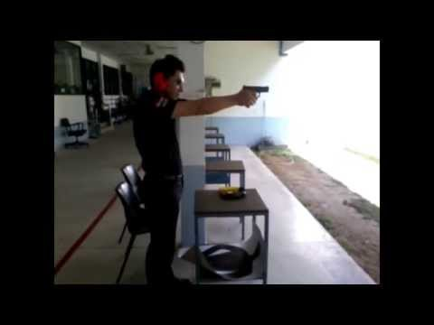 ยิงปืนกล็อก
