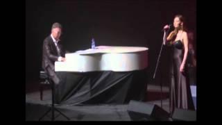 ננסי ברנדס בהופעה עם הסופרנוס רק סטנד אפ
