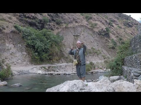 HIMALAYAN TROUT FISHING IN NEPAL !!! HOOK AND ROD !!! SMALL RIVER FISHING !!! FRESH WATER FISHING !!