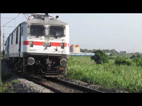 12760 Charminar Super Fast express with LGD WAP-7 30437!