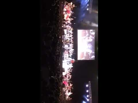 Ilaiyaraaja - Mudhal Mariyaadhai - Vetti Veru Vaasam -Exclusive Tamil Live In Concert