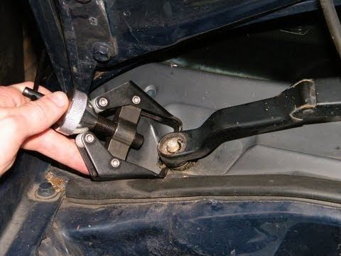 How to Remove a Wiper Blade Arm when it's Seized on.