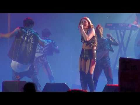 Miley Cyrus - Party In The USA - Santiago,Chile [LIVE]