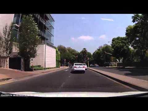 Watch Police Catch Hijackers in Rosebank, Johannesburg