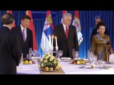 Xi Jinping and Peng Liyuan at the dinner in Belgrade