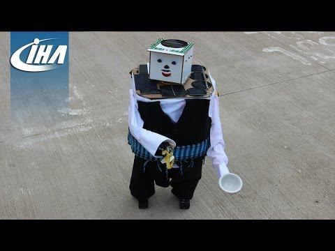 Bu Robot Tesbih Çekip, Kahve Ismarlıyor