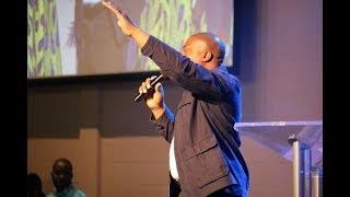 I Lift My Hands (Lyrics Video) -  Kayode Olusoji