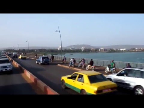 Ride through Bamako, Mali (Crossing Niger River Part 2)