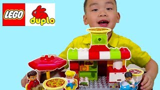 Lyndon Build and Play with Lego Duplo Pizza Store