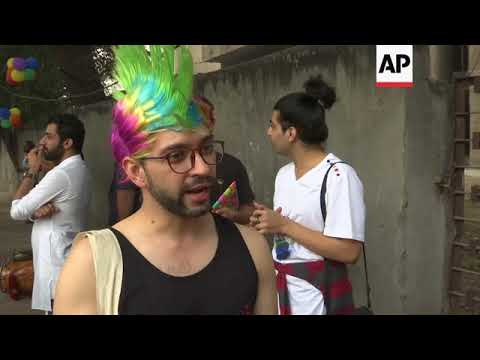 Hundreds of gay activists march through Indian capital
