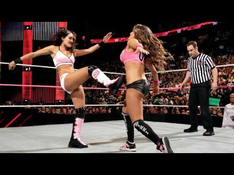 WWE RAW 10.13.14 Brie Bella, Natalya & Naomi vs. Cameron, Nikki Bella & Summer Rae (720p)
