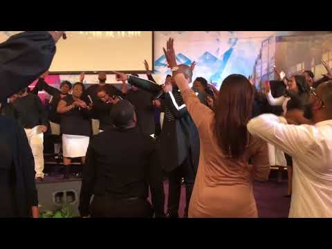 Crazy Praise Break at our New Years Encounter 2018!!!