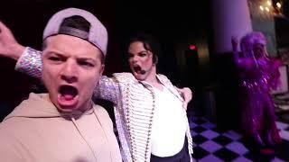 شاب عربي يعاكس كاتي بيري!! (شوفو ايش سوت له) 😱