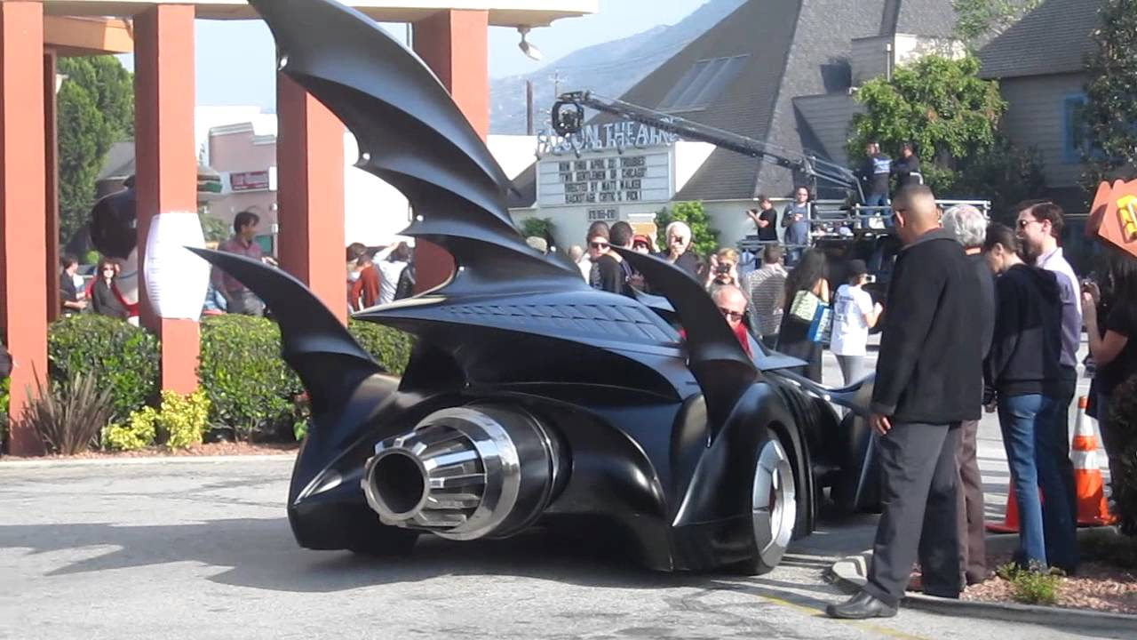 Batmobiles invade burbank california bobs big boy youtube for Big bob s carpet