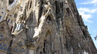 Искупительный храм Святого Семейства(Это видео создано в редакторе слайд-шоу YouTube: http://www.youtube.com/upload., 2015-12-03T14:46:38.000Z)