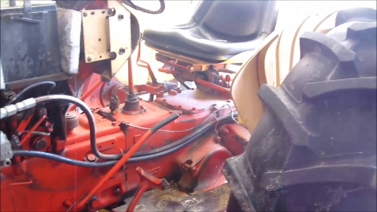 case tractor split apart for clutch  [ 1280 x 720 Pixel ]