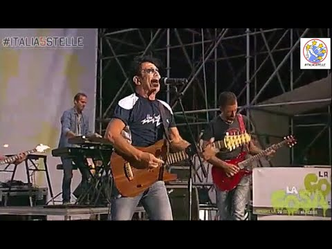 INTEGRALE: Incredibile Edoardo Bennato scatenato sul palco di Italia5Stelle