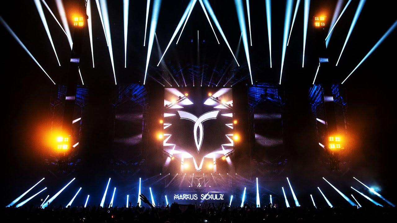 Download Markus Schulz plays 'Duderstadt - Muhanjala (Davey Asprey Remix)' (Live at Transmission Prague 2018)