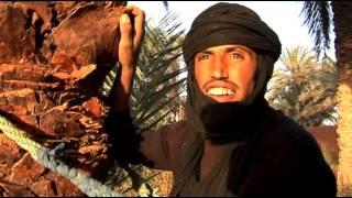 EL NAKHLA: UNE ALGERIE  , DEUX VISAGES.....